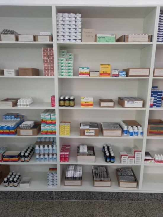 Sinopenses podem retirar medicamentos do SUS na farmácia da UNIFASIPE em horários diferenciados
